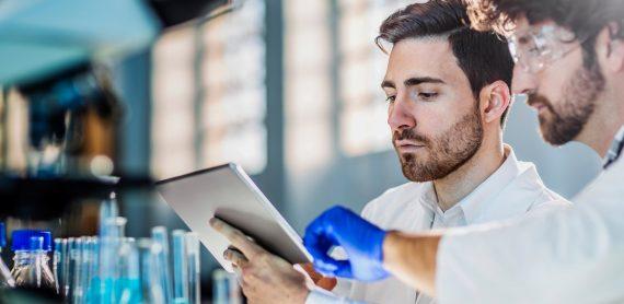 10 دلیل برای سرمایه گذاری در سیستم اطلاعات آزمایشگاه